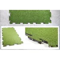 Pavimento antitrauma in erba sintetica in piastrelle